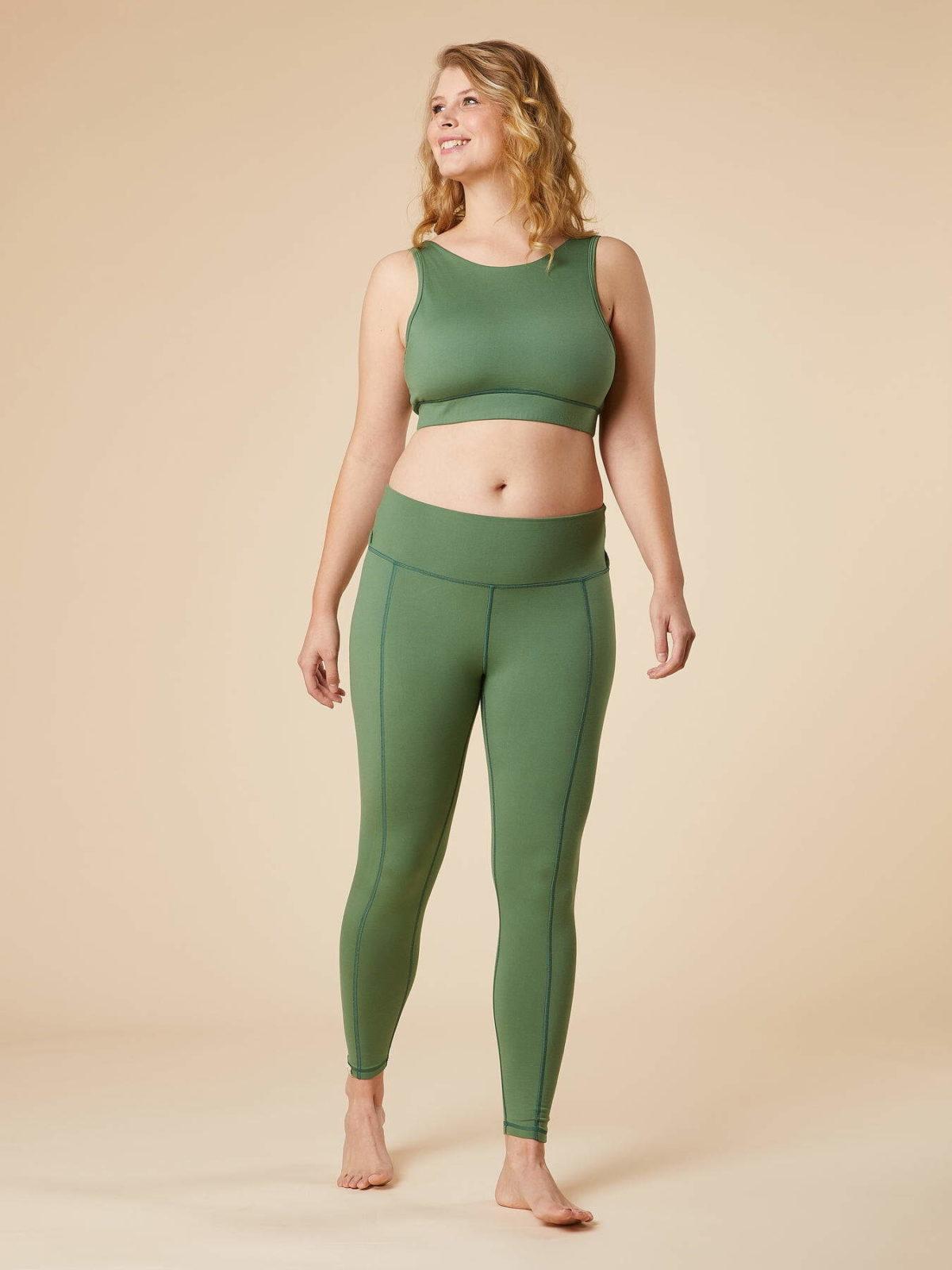 chakrana yoga Leggings Shakti Schilf Outfit Frontansicht